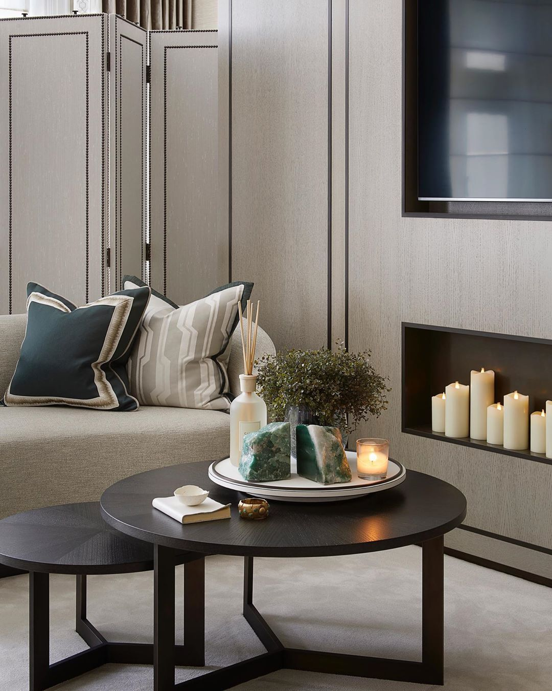 Sophie Paterson On Instagram The Sitting Area In This Master Bedroom We Designed By H In 2020 Living Room Design Decor Living Room Decor Inspiration Home Room Design #sitting #area #in #living #room