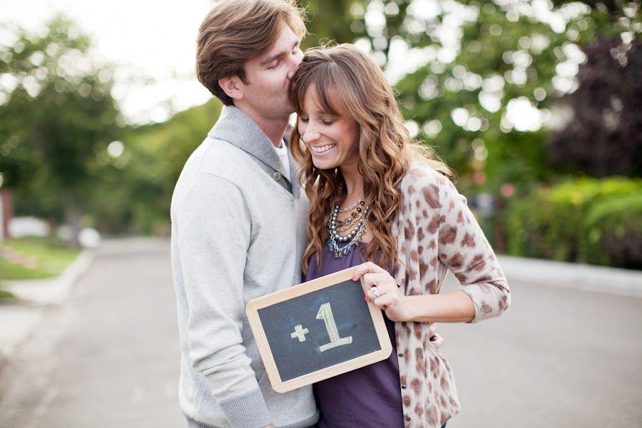 30 Fun Photo Ideas to Announce a Pregnancy – Birth Announcement Ideas Pictures