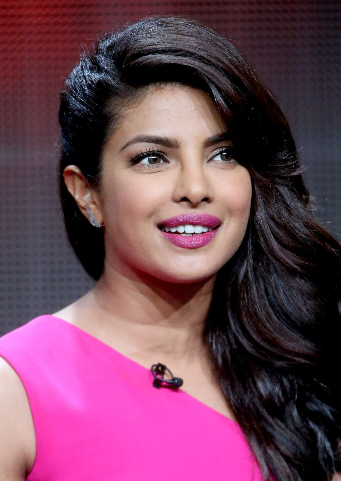 celebrity hd images: priyanka chopra on the sets of 'quantico' - hd