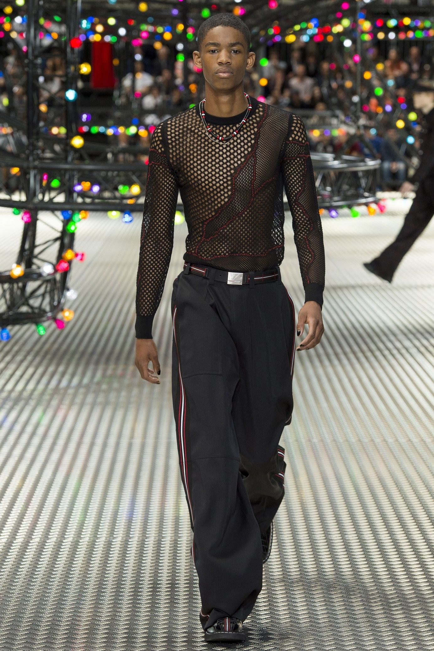 Défilé Dior Homme  Printemps-été 2017   porte épingles   Pinterest ... 600c769b5aa