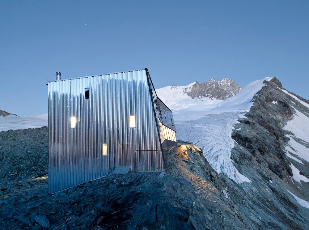 New mountain hut at tracuit savioz fabrizzi architectes for Alpes archi