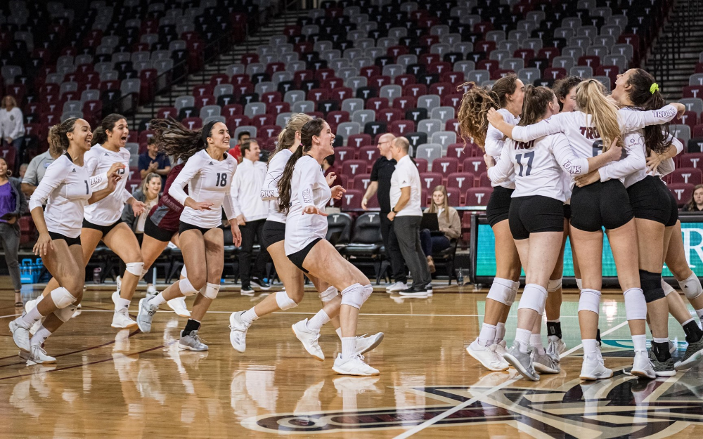The Official Volleyball Page For The Troy University Trojans Troy University Twitter Football Volleyball