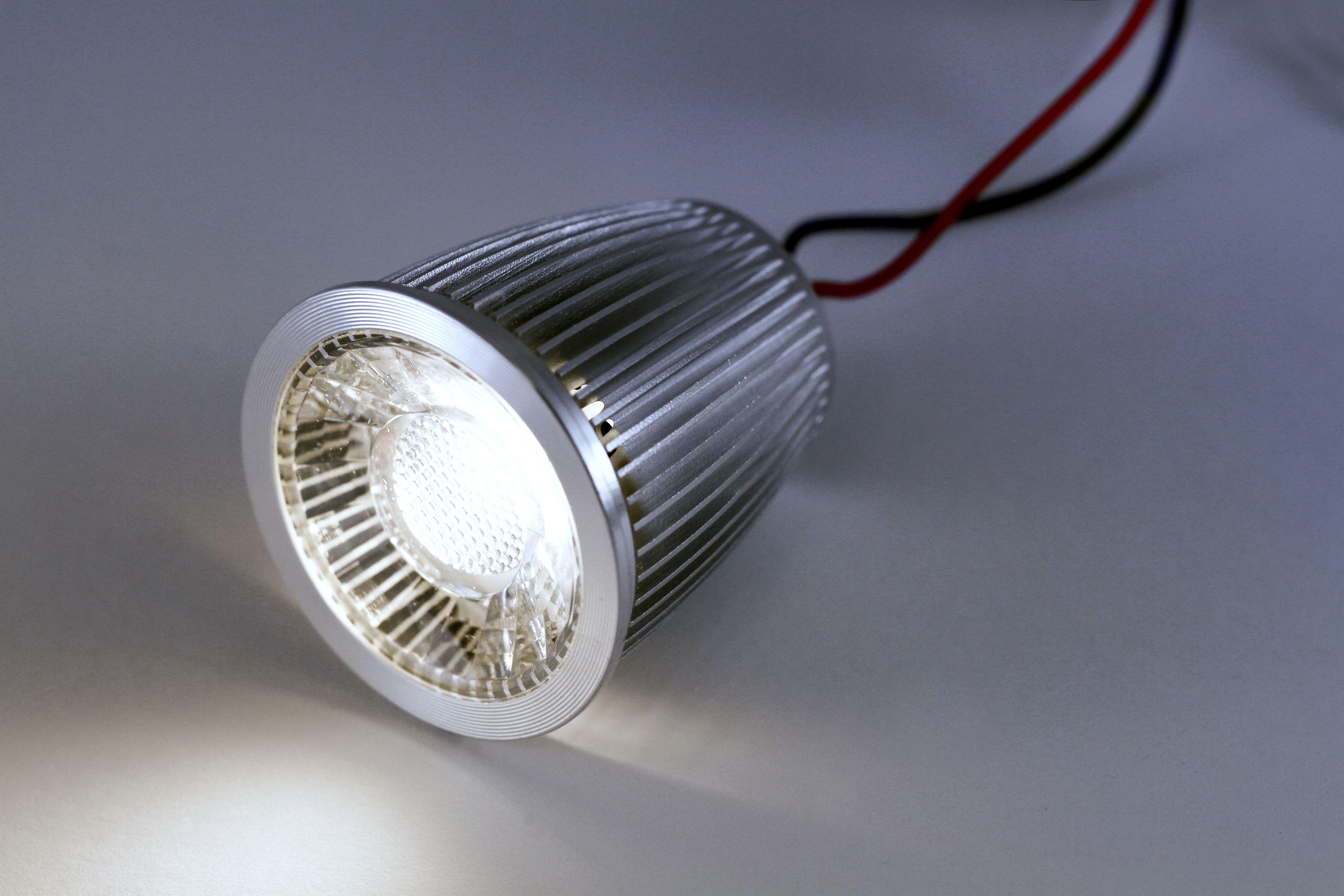 Constaled 30939 Led Spot Mr16 6w 24v Dc 2850k 25 Cri 92 Online Kaufen Im Voltus Elektro Shop Led Spots Led Beleuchtung