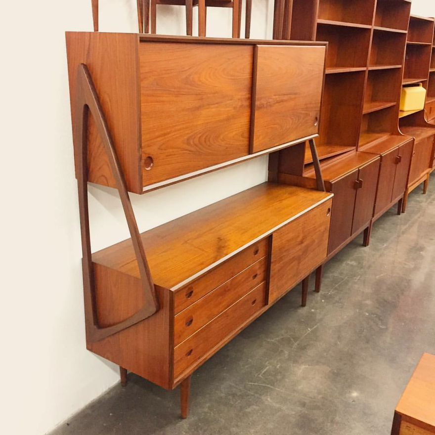 Mid Century Mobler Is A Berkeley Based Vintage Furniture Dealer That Operates Like Buy Mid Century Furniture Mid Century Style Furniture Mid Century Wall Unit