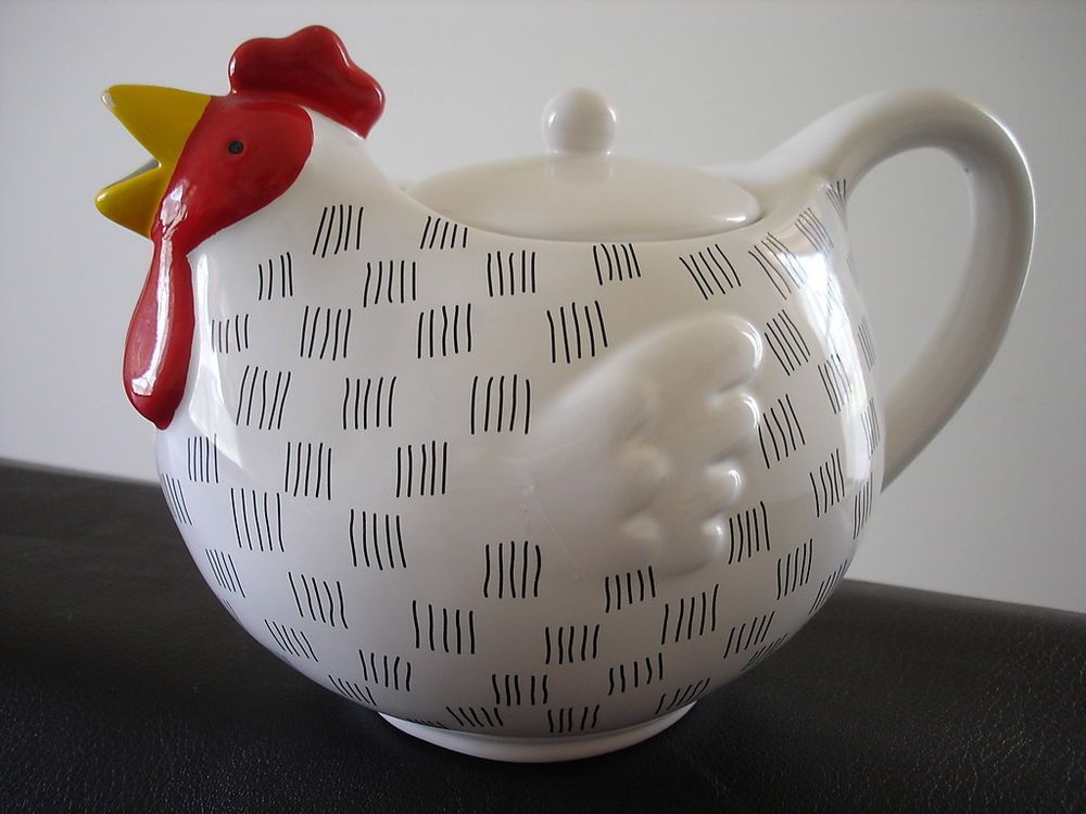 Blue Sky 2003 Chicken Collectible Teapot
