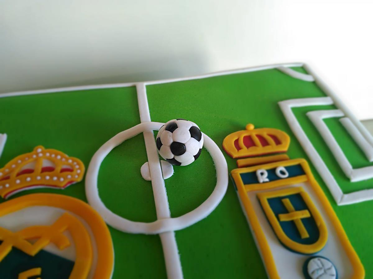 Paso a paso: cómo hacer un mini balón de fútbol de fondant