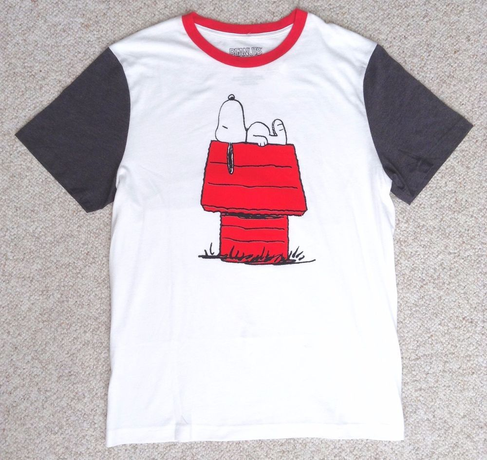 New Snoopy Laying On House T Shirt White Red Peanuts Doghouse
