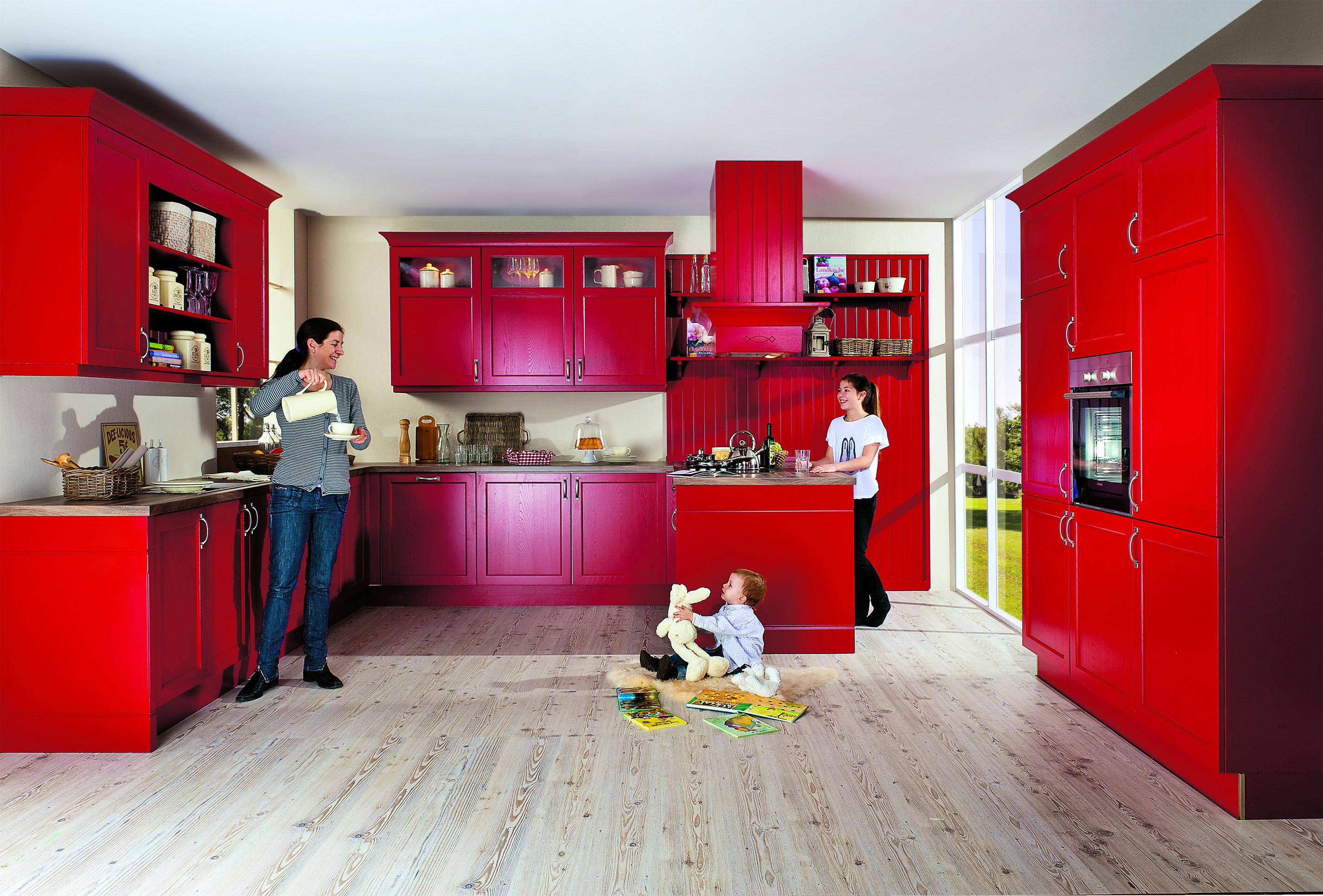 Landhausküche mal anders - in feurigem Rot von #Nobilia | Küchen ...