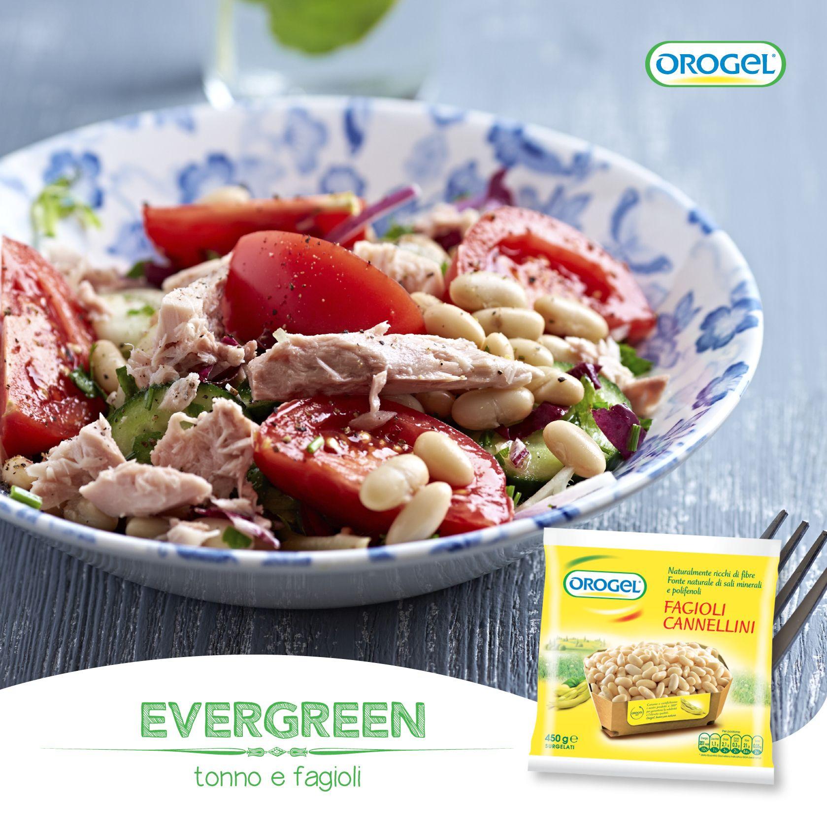 Un evergreen che risolve il pranzo: una bella insalata con tonno, pomodori e fagioli cannellini!
