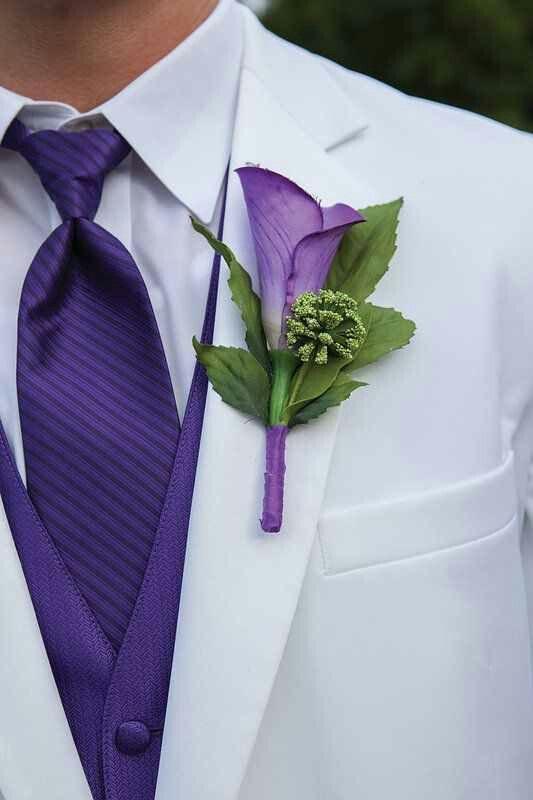 Grooms Suit But Not White Wedding Colors Wedding Groomsmen