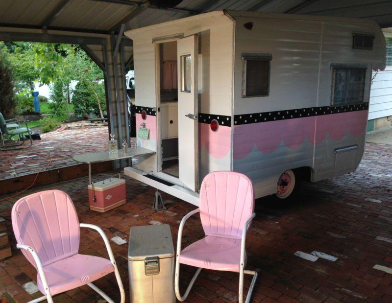 Vintage Travel Trailer 1965 Safari Super Cute Little Pink Glamper Camper