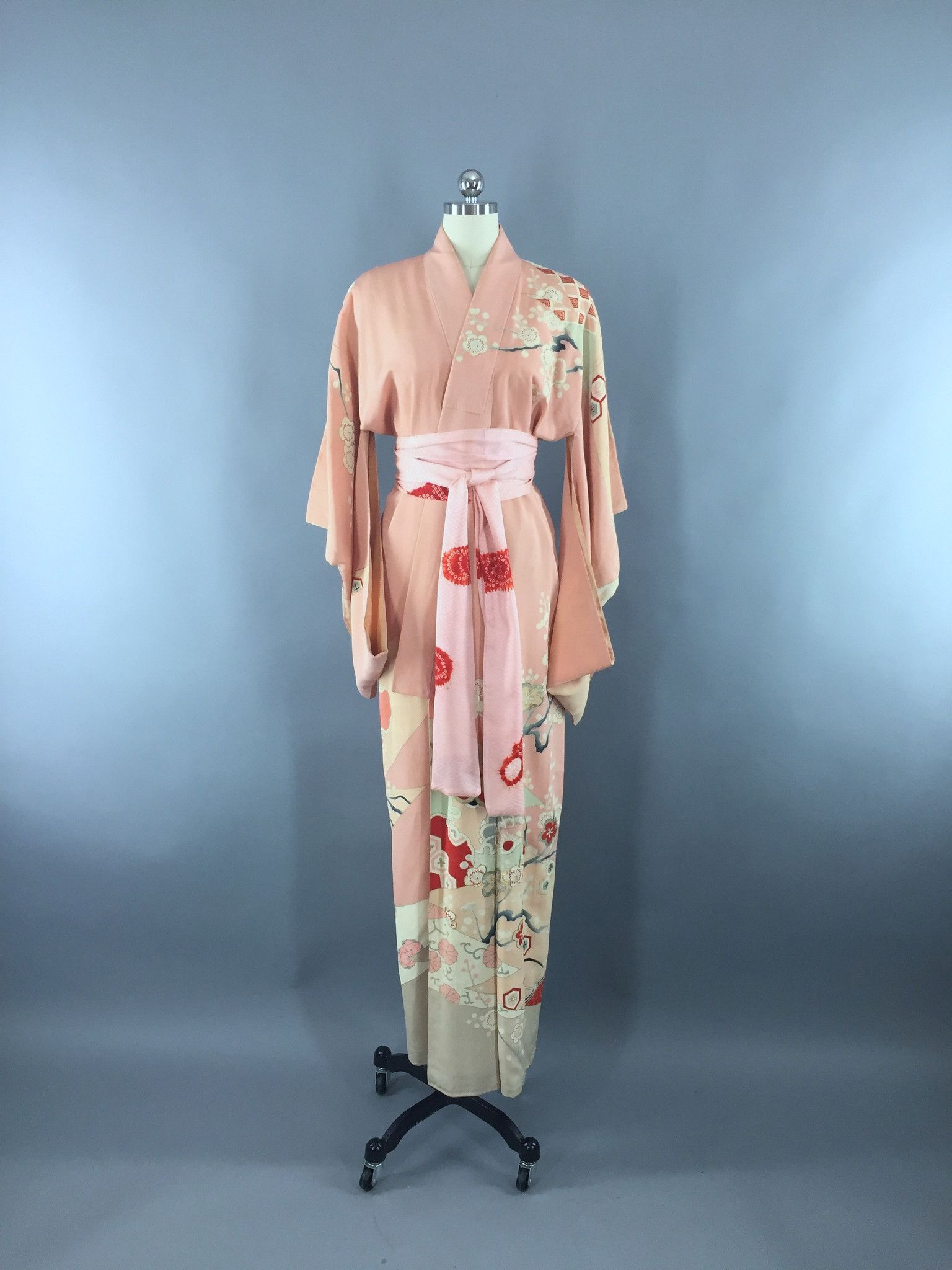 Vintage 1930s Silk Kimono Robe   Peach Pink Floral Art Deco ... b1d4646f5