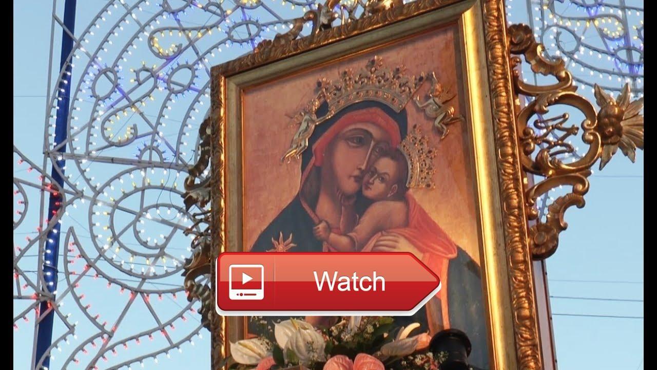 Napoli celebra la Madonna del Carmine Sepe condanna crolli e roghi 17717  Come ogni anno Napoli e la comunit religiosa di piazza Mercato si radunano nella storica piazza partenopea per fest