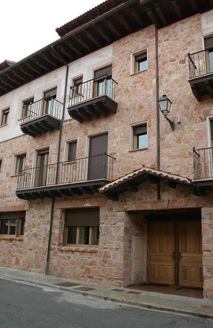 El Centro de Turismo Rural La Romerosa, de reciente inauguración, mantiene el gusto y el encanto de entonces con las comodidades y el bienestar de hoy.