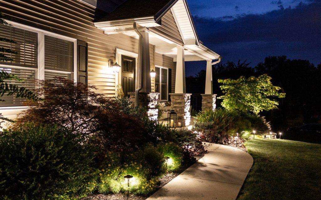 How To Install Landscape Lighting Hamilton Park Home Landscape Lighting Landscape Lights Diy Led Landscape Lighting