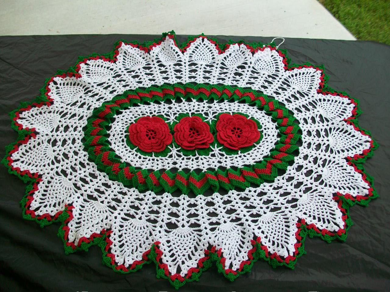 Easy Table Crochet Runner Pattern   Red Roses Oval Table Runner Crochet  Doily Crocheted Handmade Rose