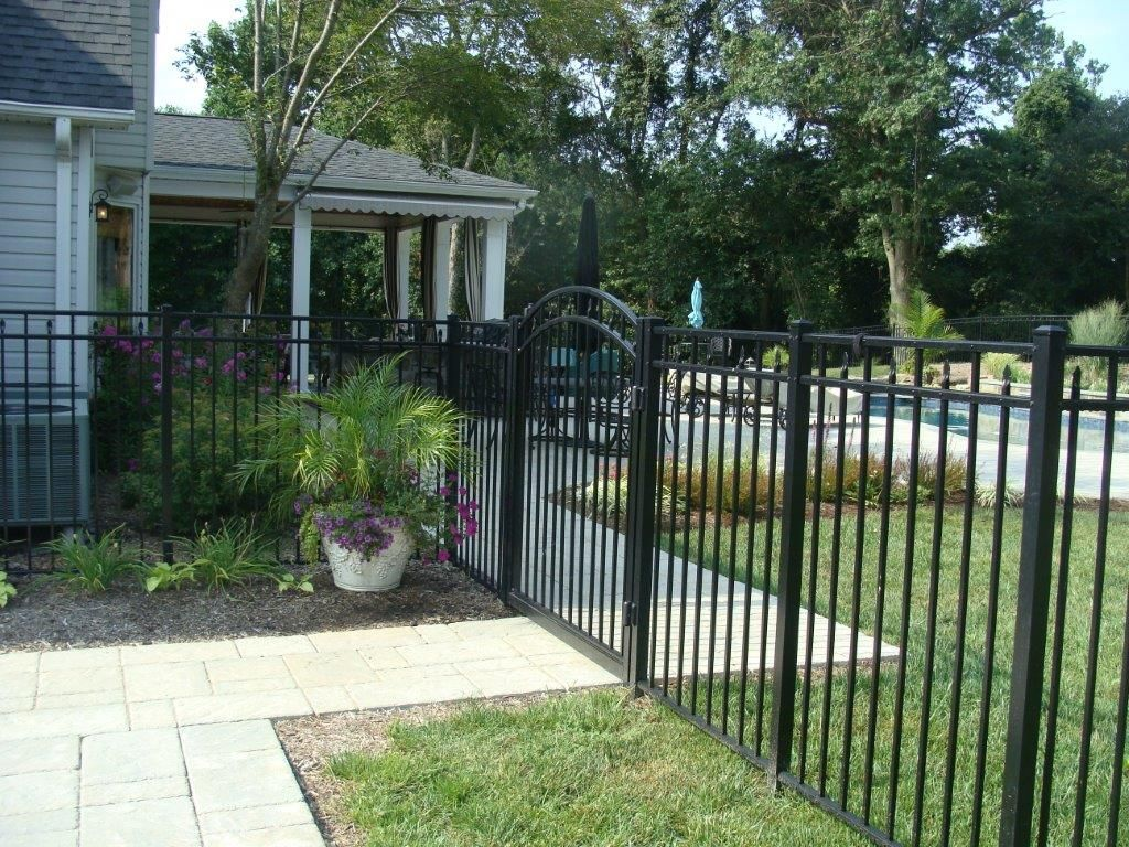 54 Quot High Alumi Guard Aluminum Fence W An Arched Gate