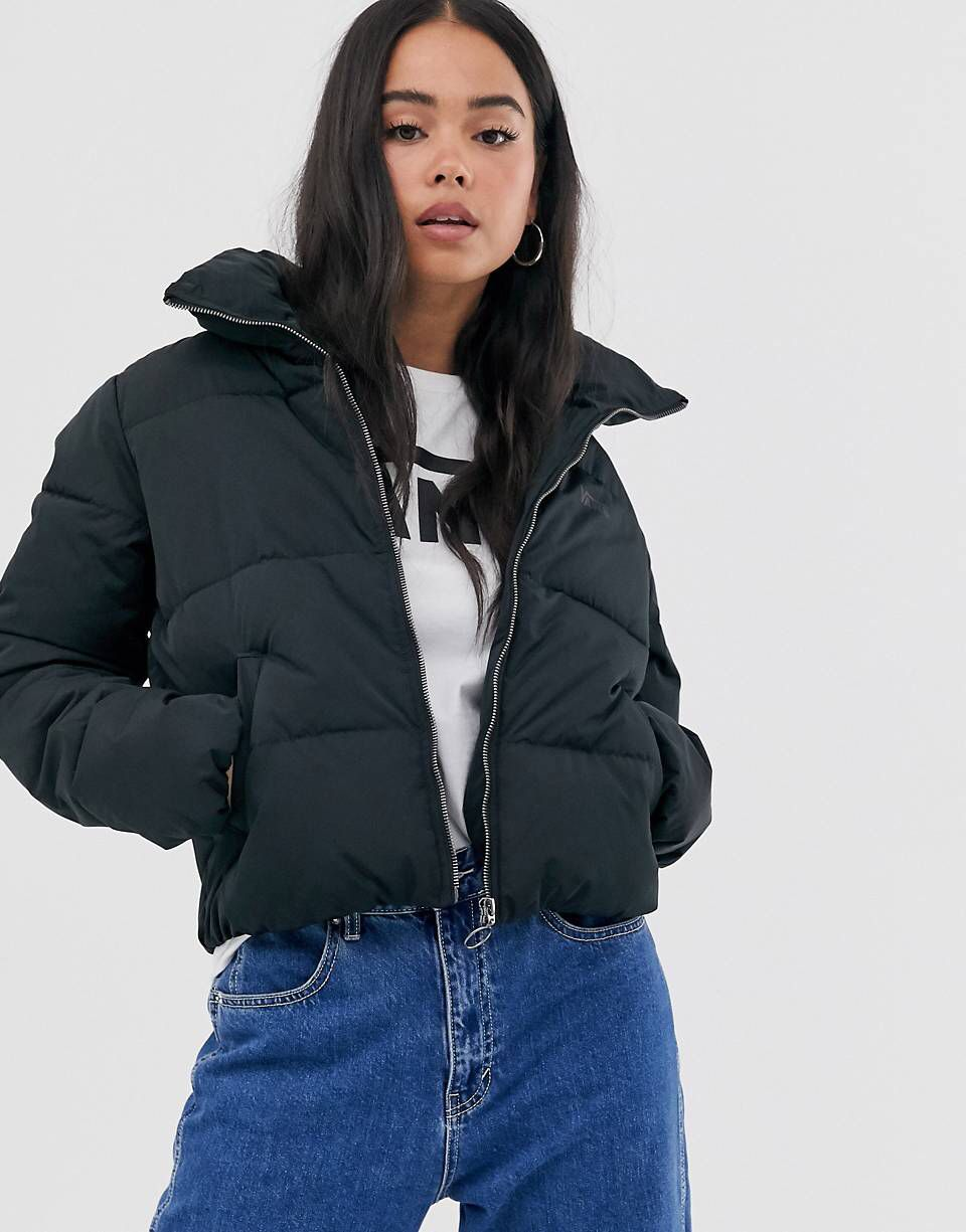 Pin By Valen Sur On Outfits Puffer Jacket Outfit Black Puffer Jacket Outfit Winter Jackets Women [ 1225 x 960 Pixel ]