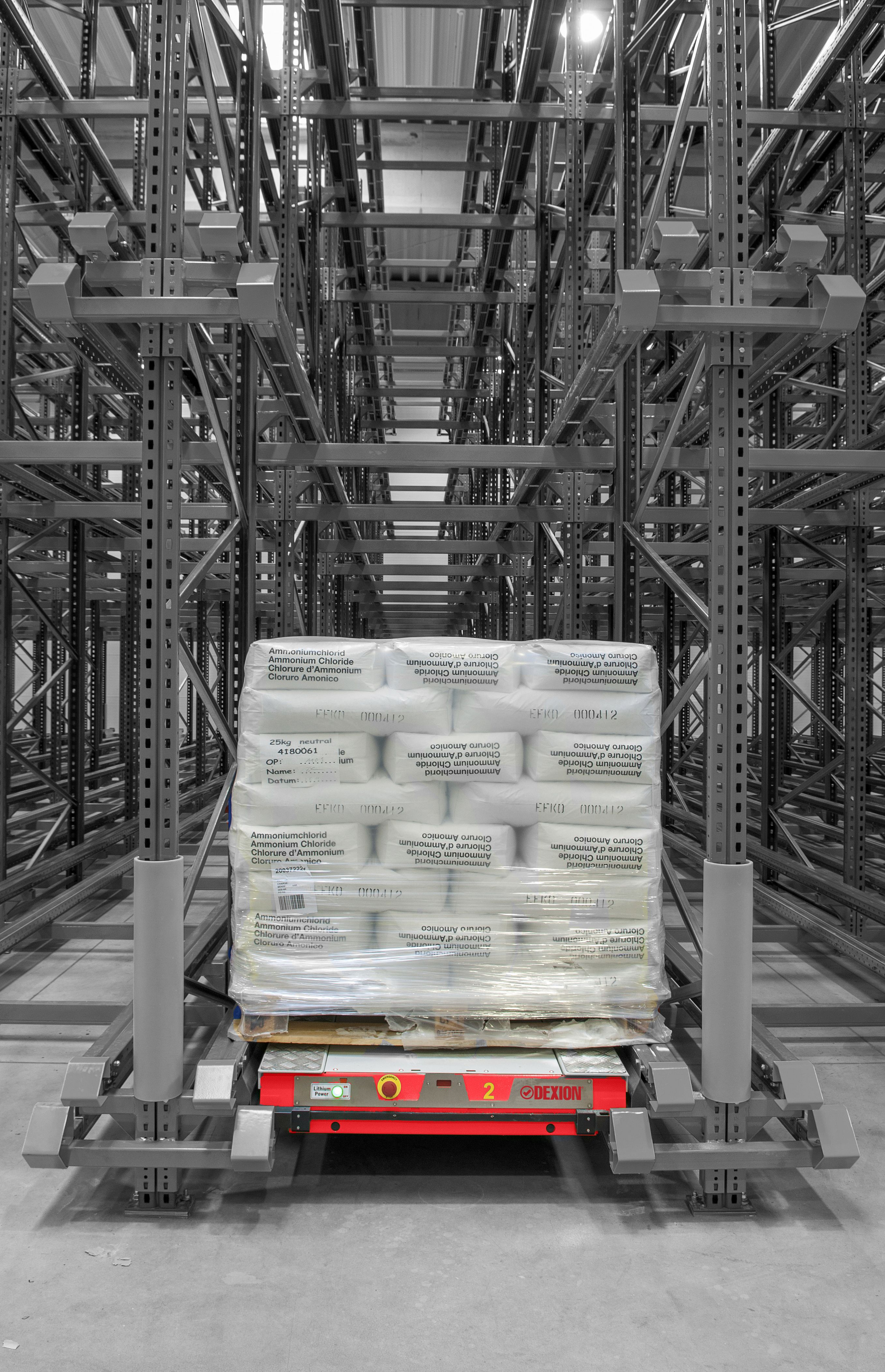 Dexion S High Density Pallet Storage System With A Shuttle Bier Brouwerij