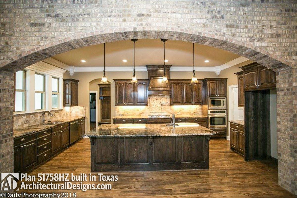 House plan hz comes to life in texas photo also stuff buy rh pinterest