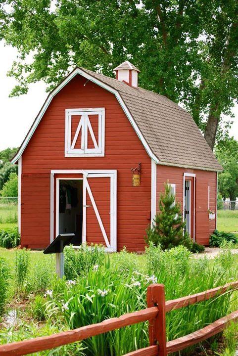 Small Red Barn With Images Small Barns Backyard Barn Barn