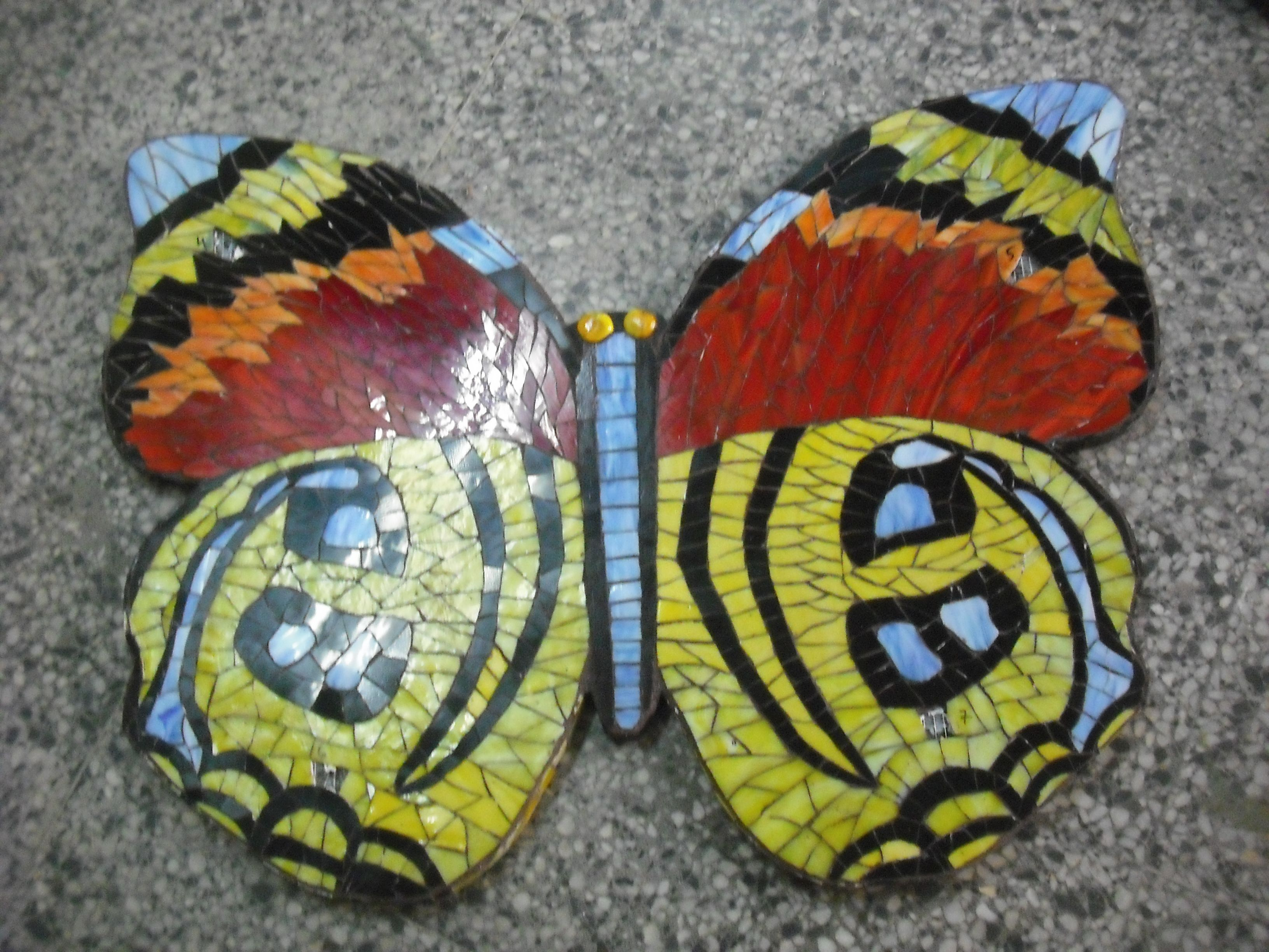 mariposa de mosaico de vidrio con volumen butterfly glass mosaic 3-D