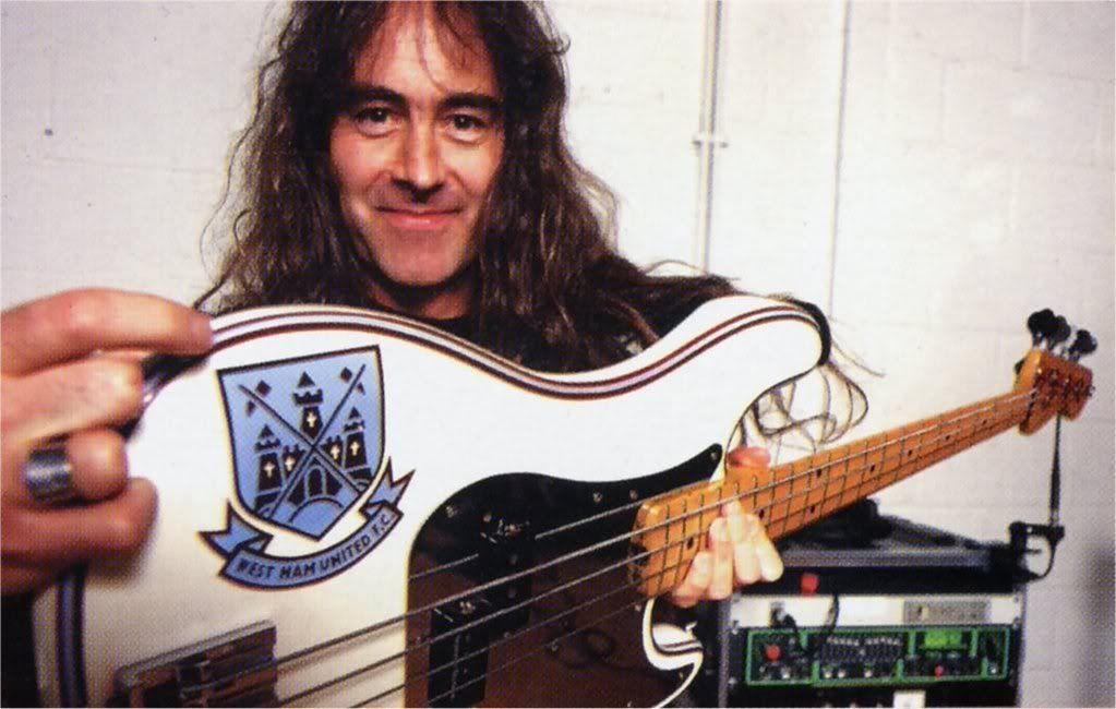 Steve Harris on Bass | Dama de ferro, Iron maiden, Musica