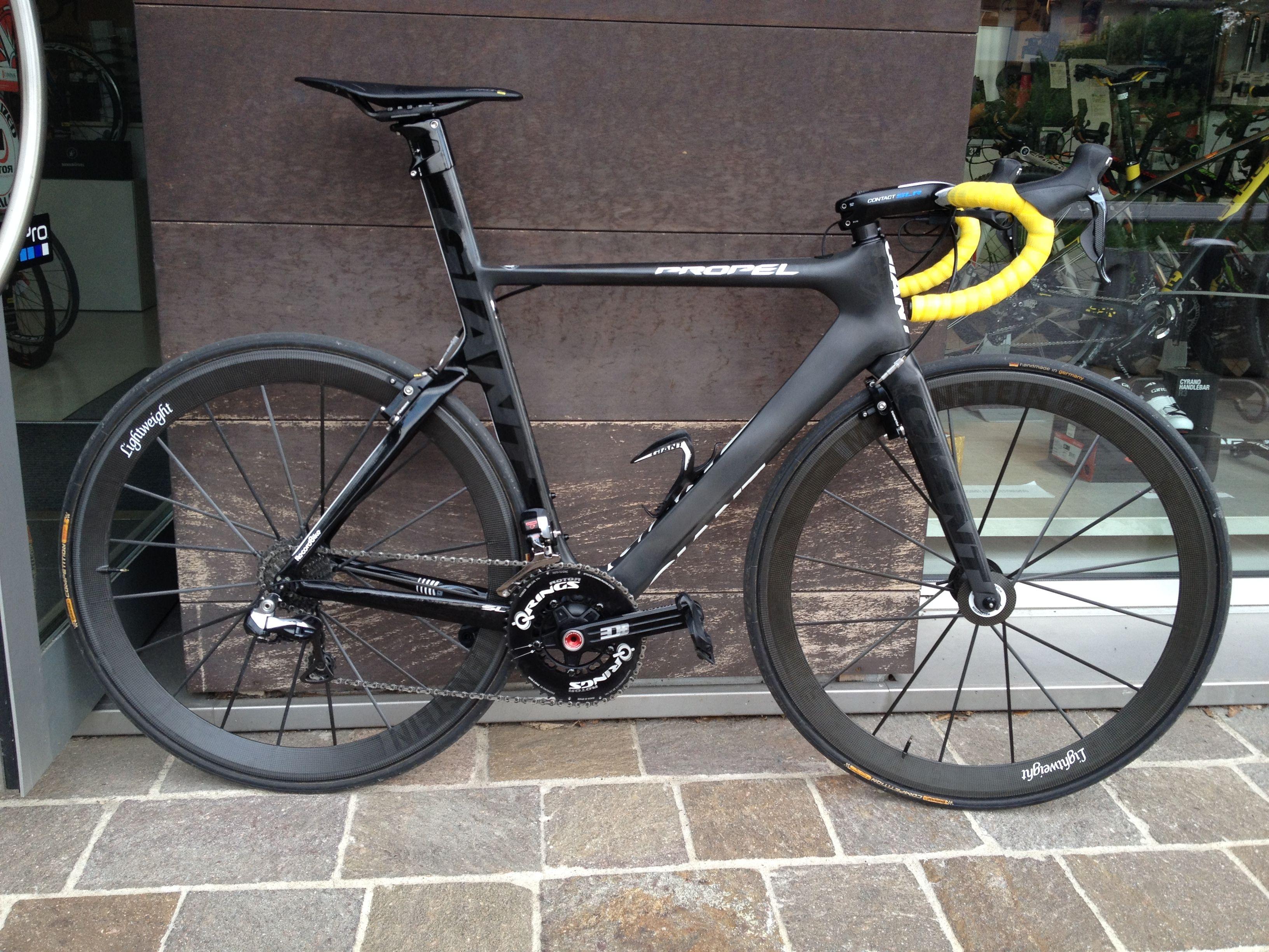 Giant Propel Black And Yellow Record Bike Malo Vicenza Road Racing Bike Road Bike Cycling Road Bike