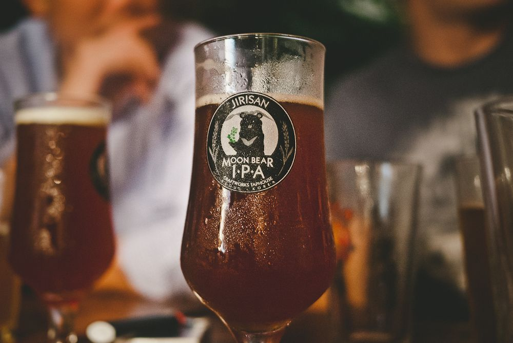 Craftworks Taphouse, Seoul, South Korea www goodbeerhunting com | In
