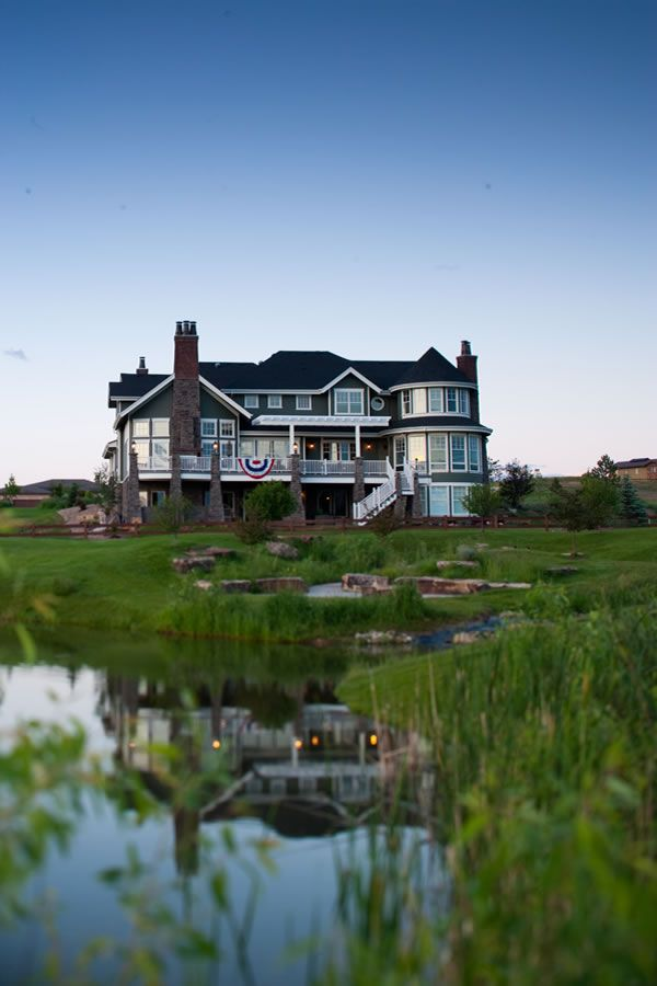 House Plans - Home Plan Details : Luxurious Waterfront Living