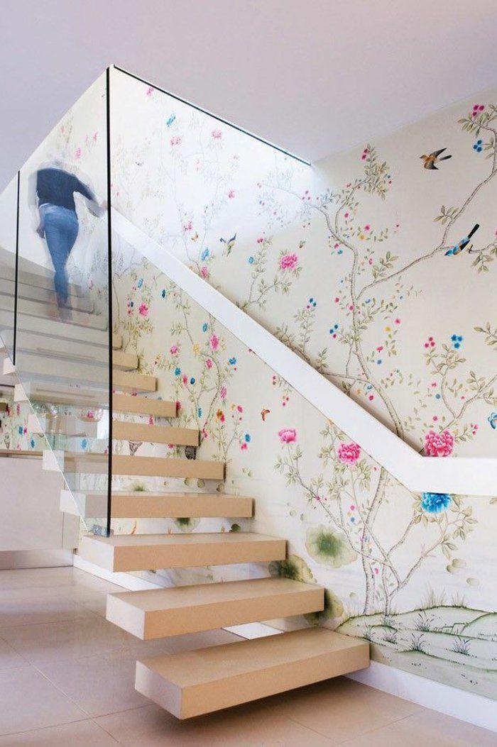 Treppenhaus gestalten mit tapete  treppenhaus gestalten freistehende treppenstufen holz glasgeländer ...