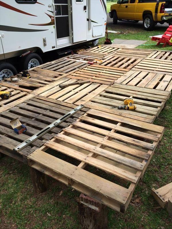 Diy Pallet Deck Ideas And Instructions Pallet Patio Decks