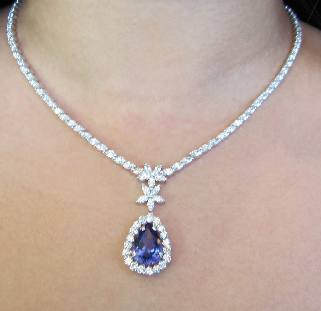 Genuine tanzanite diamond necklace 15 46ct estate piece 18k white genuine tanzanite diamond necklace 15 46ct estate piece 18k white gold exquisite ebay mozeypictures Images