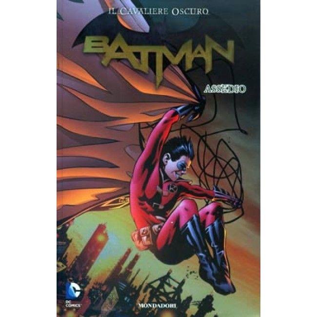 "April 2013 - ""Batman il cavaliere oscuro 14: Assedio"" by A.A.V.V."