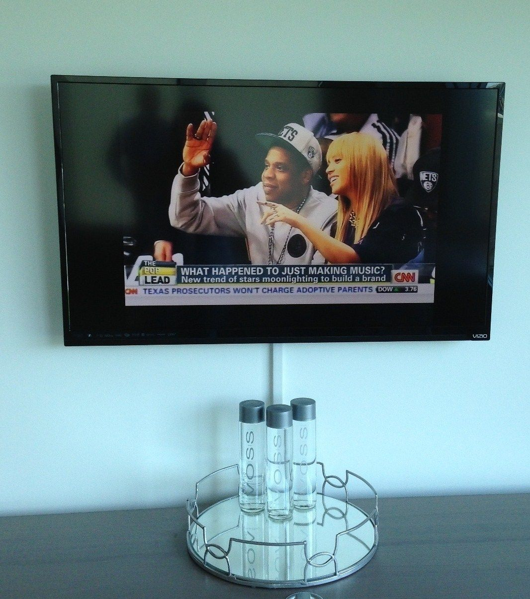 TV installation with wires concealed in wire molding | Stem TV ...