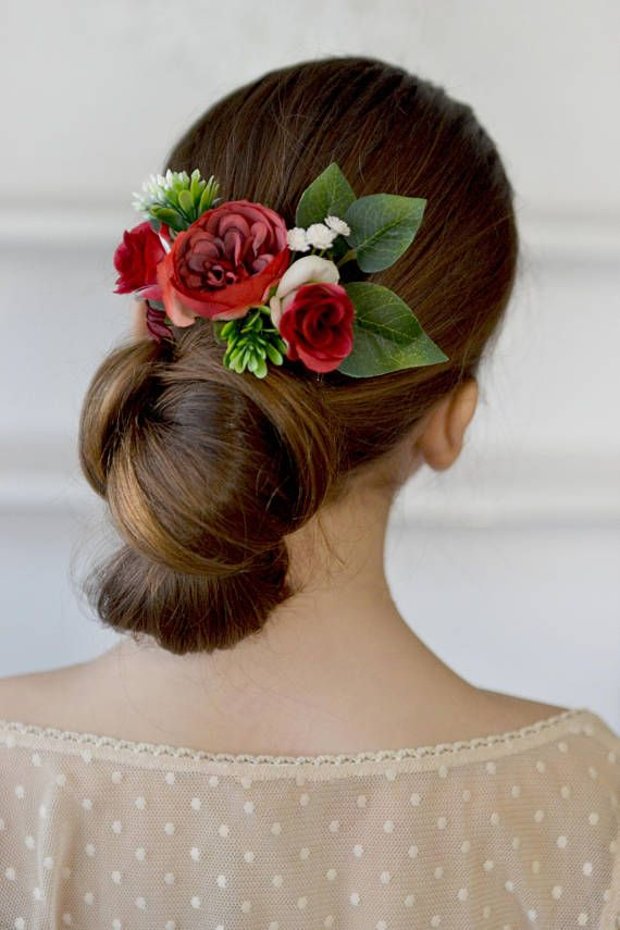red flower comb roses hair