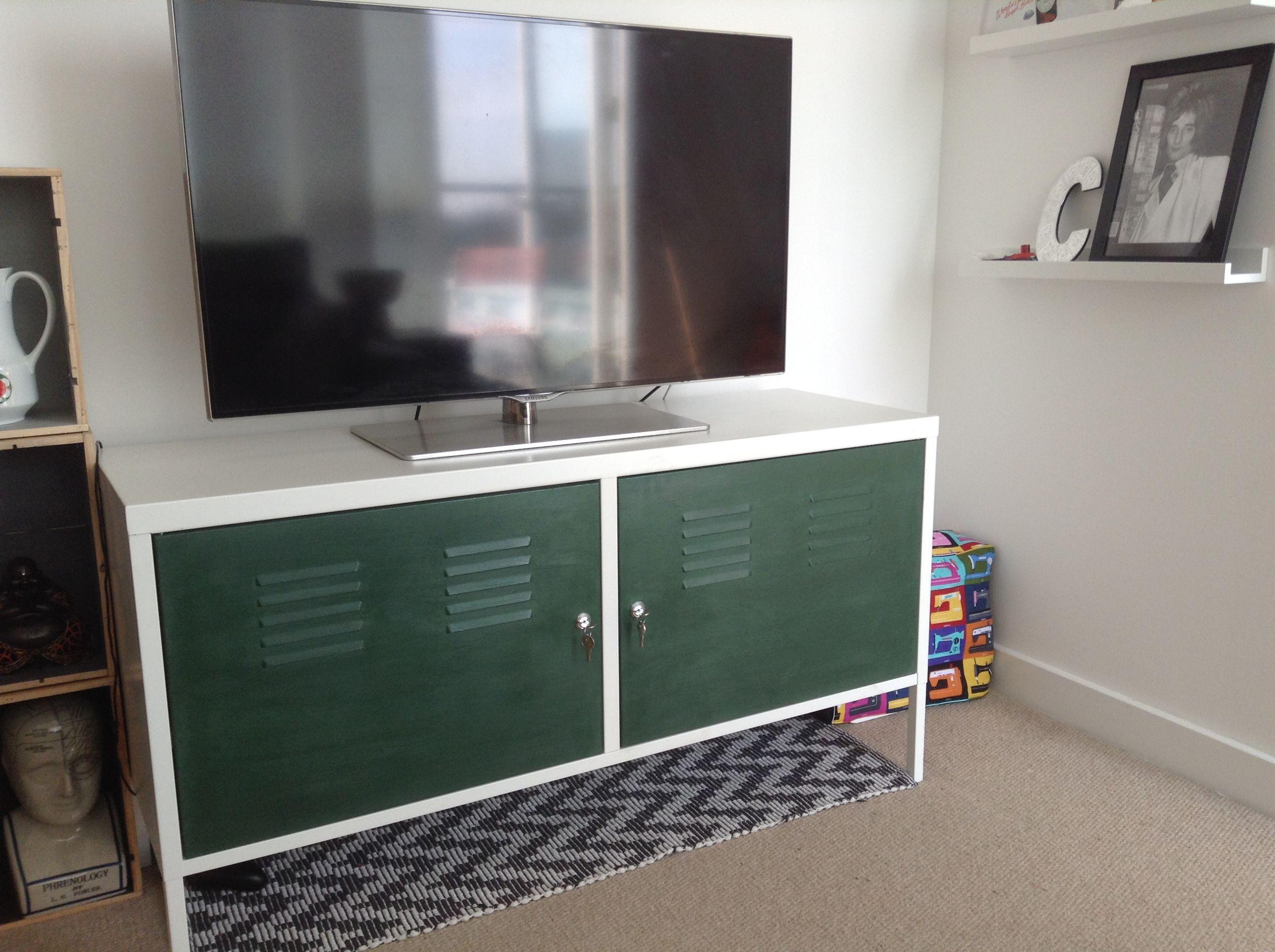 Ikea ps cabinet hack annie sloan amsterdam green chalk Ikea drinks cabinet hack