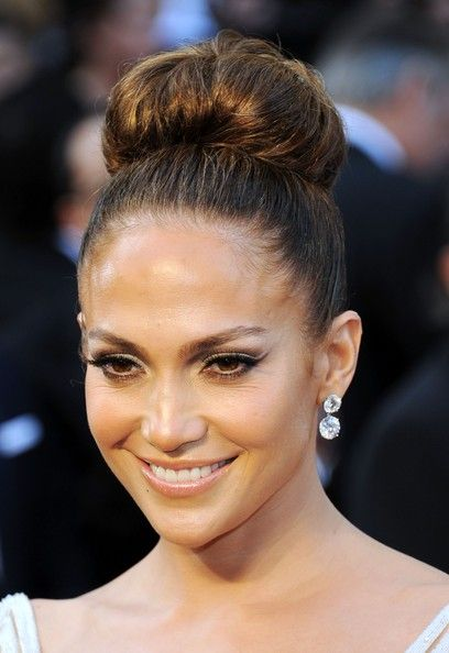 Jennifer Lopez Classic Bun Curls Waves Buns Braids Pinterest