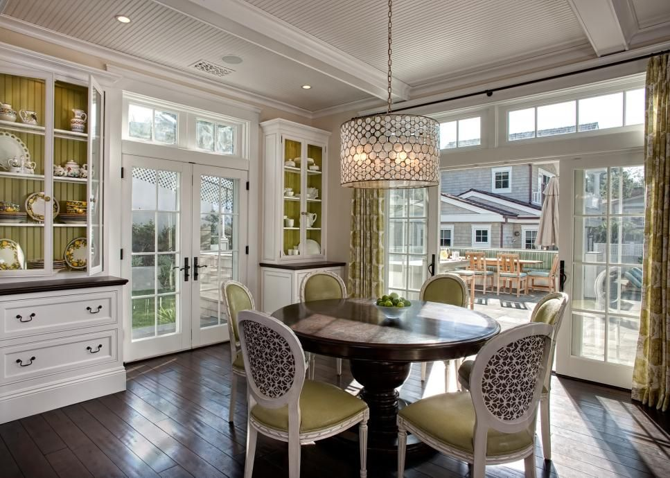 40 Top Designer Dining Rooms  Hgtv Transom Windows And Drum Shade Simple Hgtv Dining Rooms Design Ideas