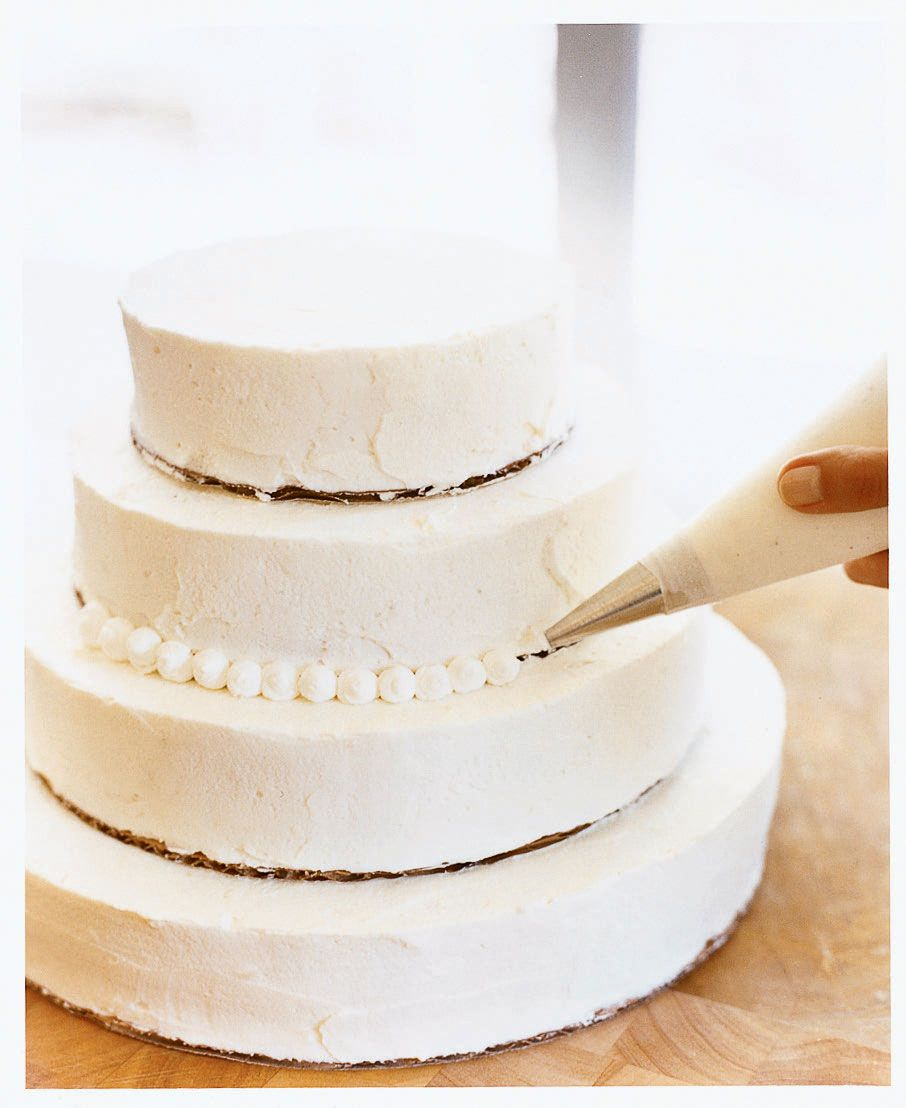 How to Make Your Own Beautiful Wedding Cake