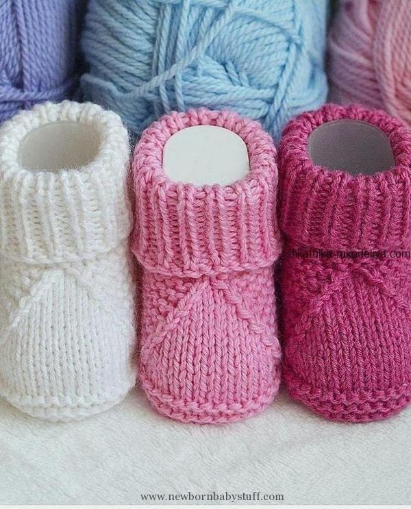 Photo of Baby Strickmuster Booties für Neugeborene mit Stricknadeln. Baby …… (NewBorn Baby Stuff)