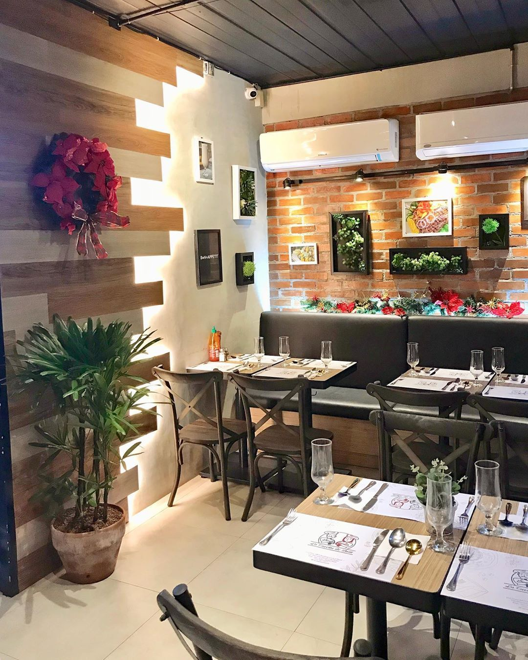 We have an intimate dining space that can hold up around 22-30 persons including our veranda.  For reservation, pick-up and delivery: 📞 (02) 8-961-6271 I 0998-261-0713 or simply send us a DM. . . . . .