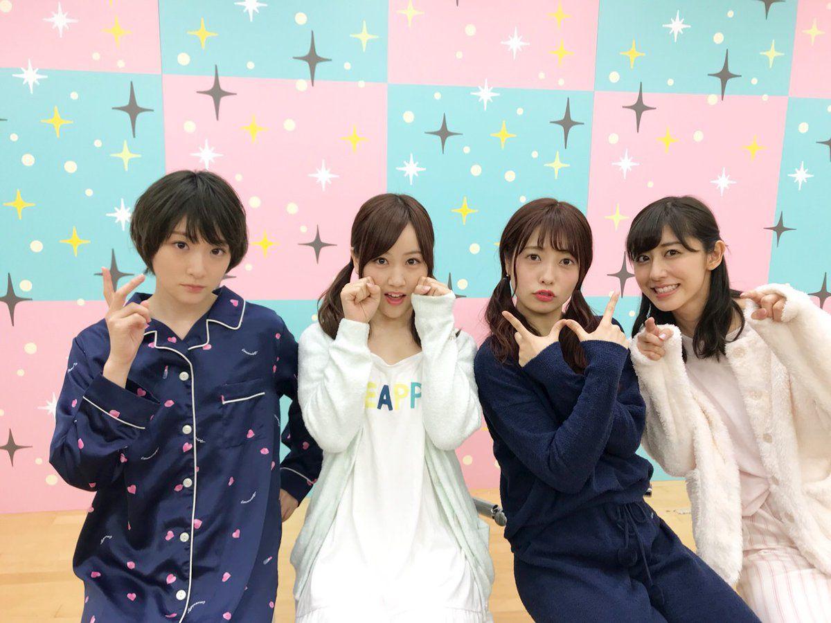 乃木坂46 On 生駒里奈 井上小百合 かわいい服