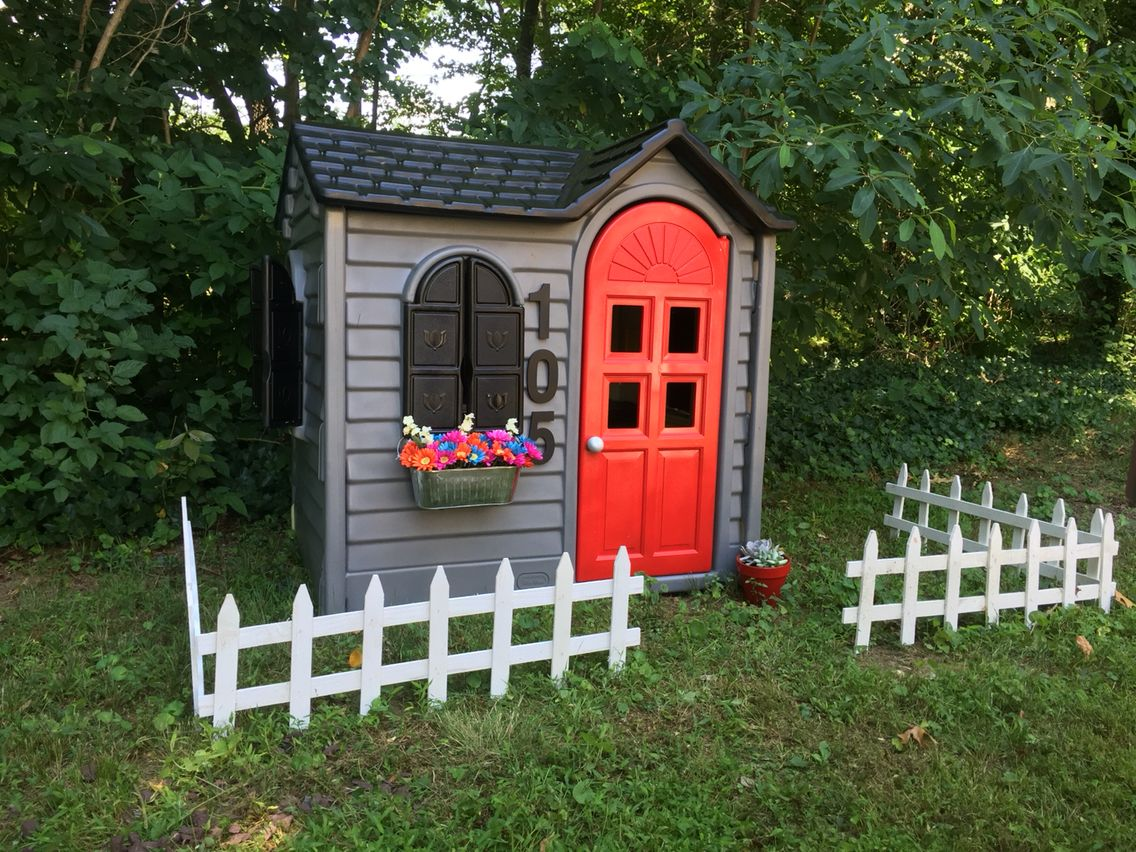 Little tikes playhouse makeover diy pinterest - Maison de jardin little tikes colombes ...