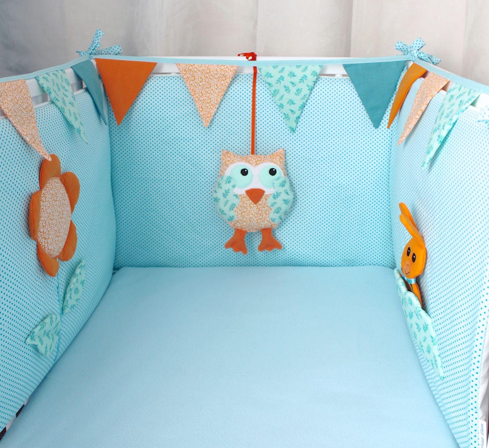 Tour de lit bébé éveil déhoussable bleu-vert, orange et guirlande de ...