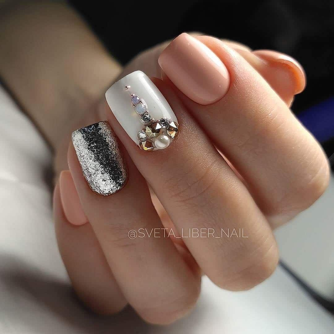 New Year nails design ideas, images & pictures 2018-2019
