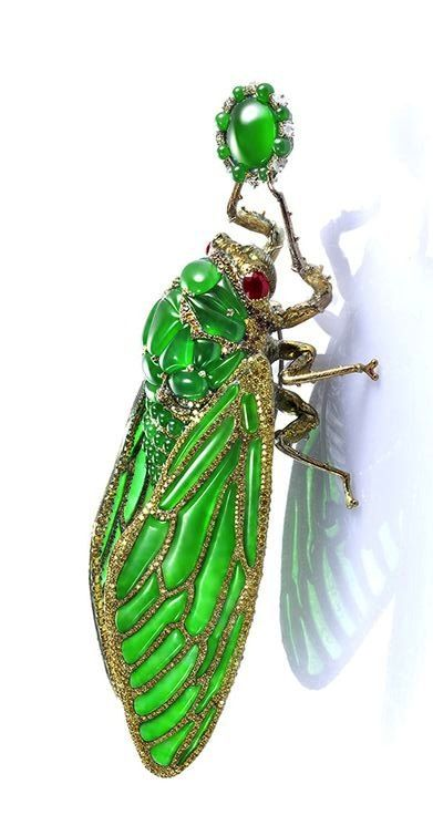 Cicada brooch in imperial jadeite by Wallace Chan.
