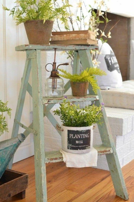 ordinary einfache dekoration und mobel trautes heim auch im alter #3: Frühlingsdeko Vintage Stil alte Holzleiter viele Töpfe Kräuter Blumen