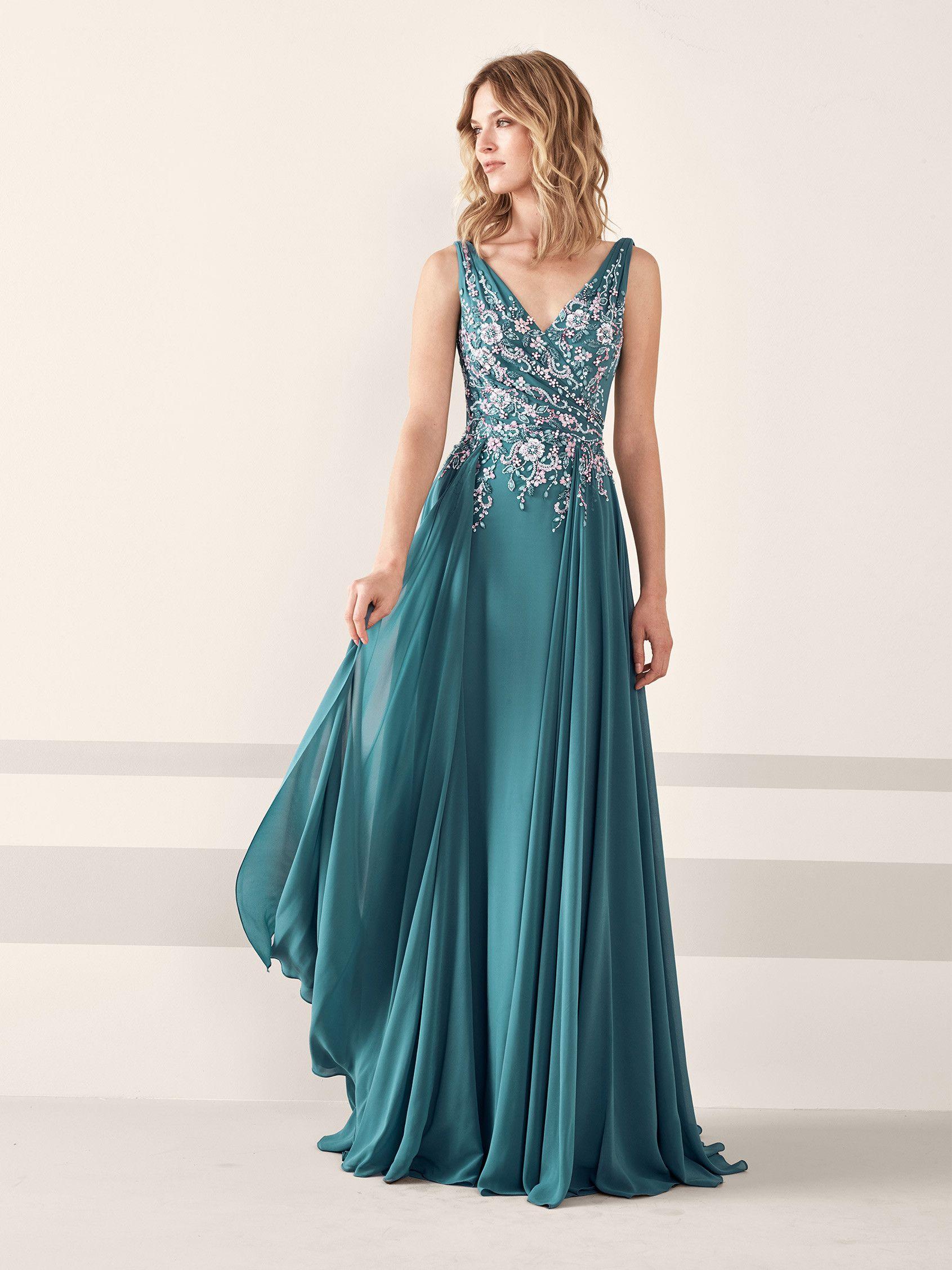 f34ffc5a6 Fabuloso vestido de fiesta de gasa con pedrería JESSICA | Pronovias ...