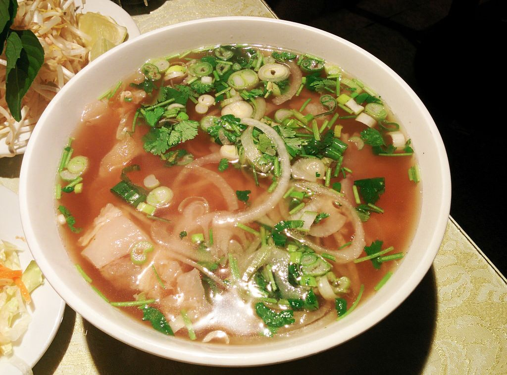 A Taste of Vietnam - Pho and Spring Roll Review Vancouver Calgary #foodie #foodporn